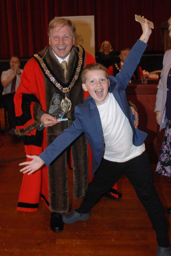Bailey wows at Barry Mayor-making